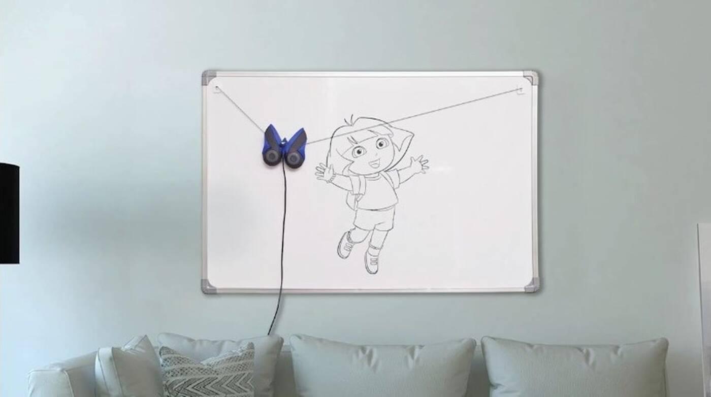 Ścienny robot DrawBo nauczy Wasze dzieci rysowania