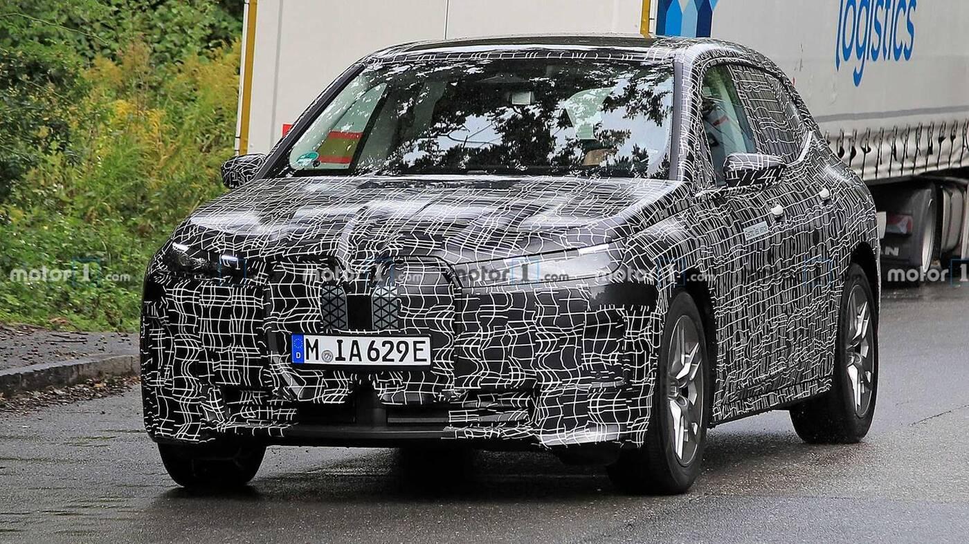 W pełni elektryczny crossover BMW iX już za miesiąc?