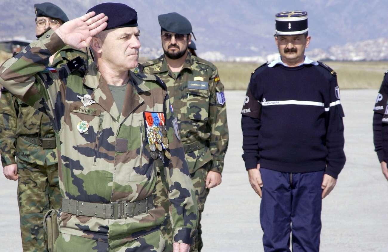 Cyberżołnierze w armii. Przełomowa decyzja Francuzów