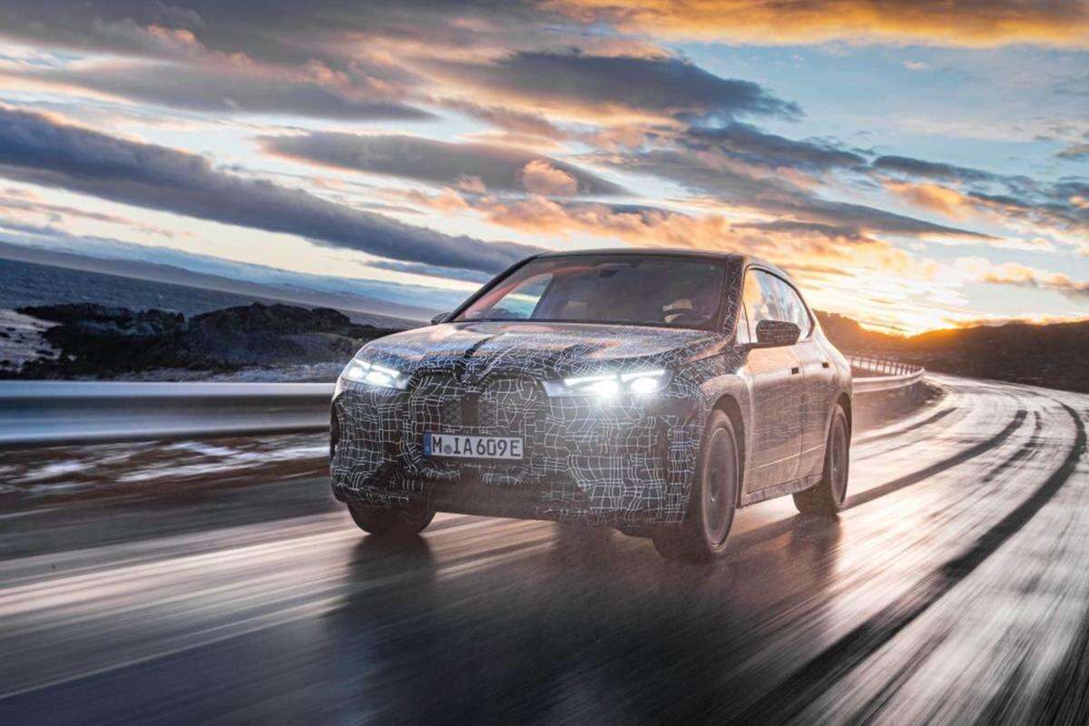 BMW testuje elektrycznego iX w chłodzie
