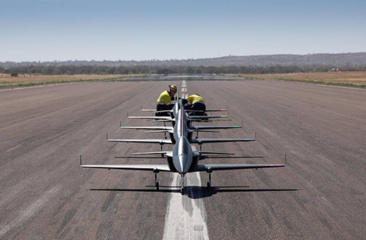 Boeing przetestował autonomiczne miniaturowe odrzutowce w szwadronie