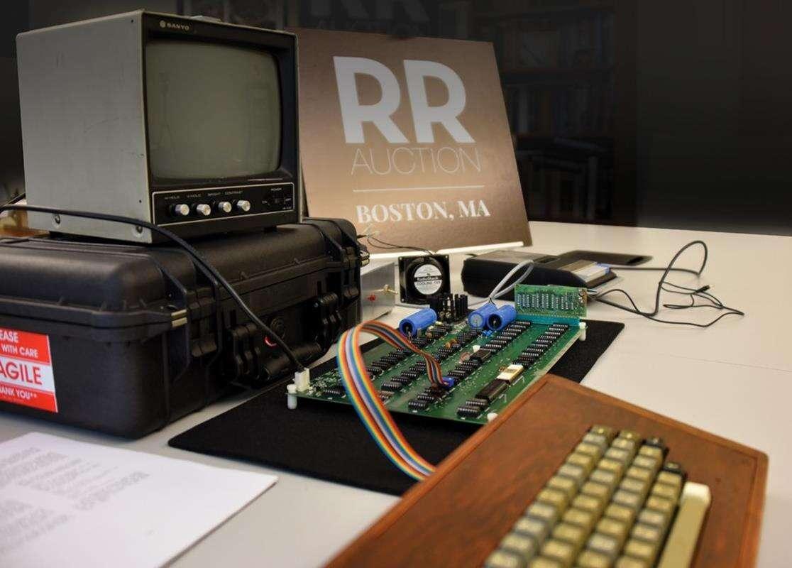 Działający komputer Apple-1 trafi na aukcję w ciekawym zestawie