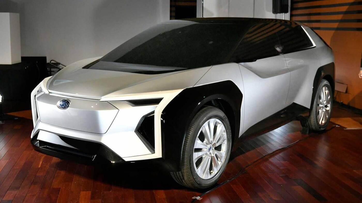 Elektryczny crossover Subaru Evoltis na nieoficjalnym renderze