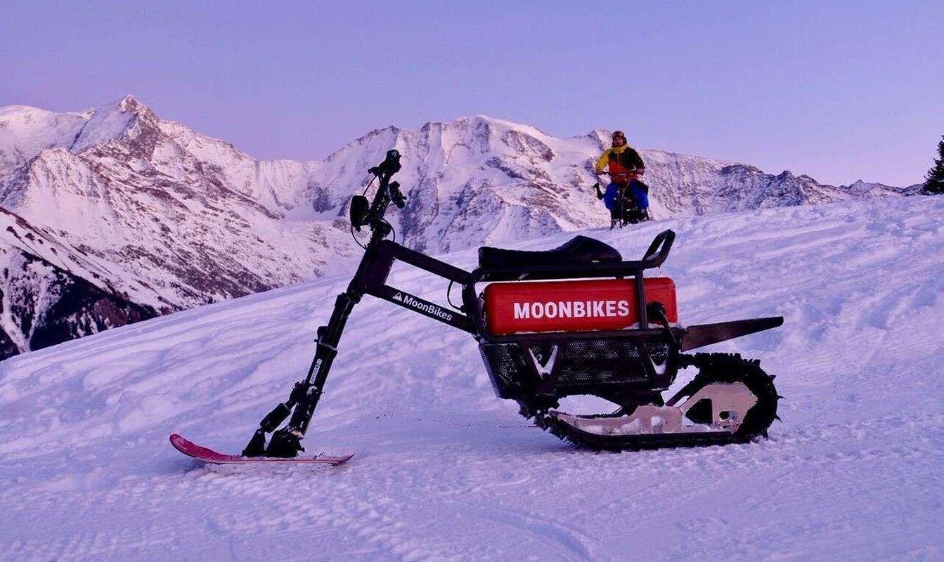 Elektryczny rower śnieżny MoonBike podbije niejeden zaśnieżony stok