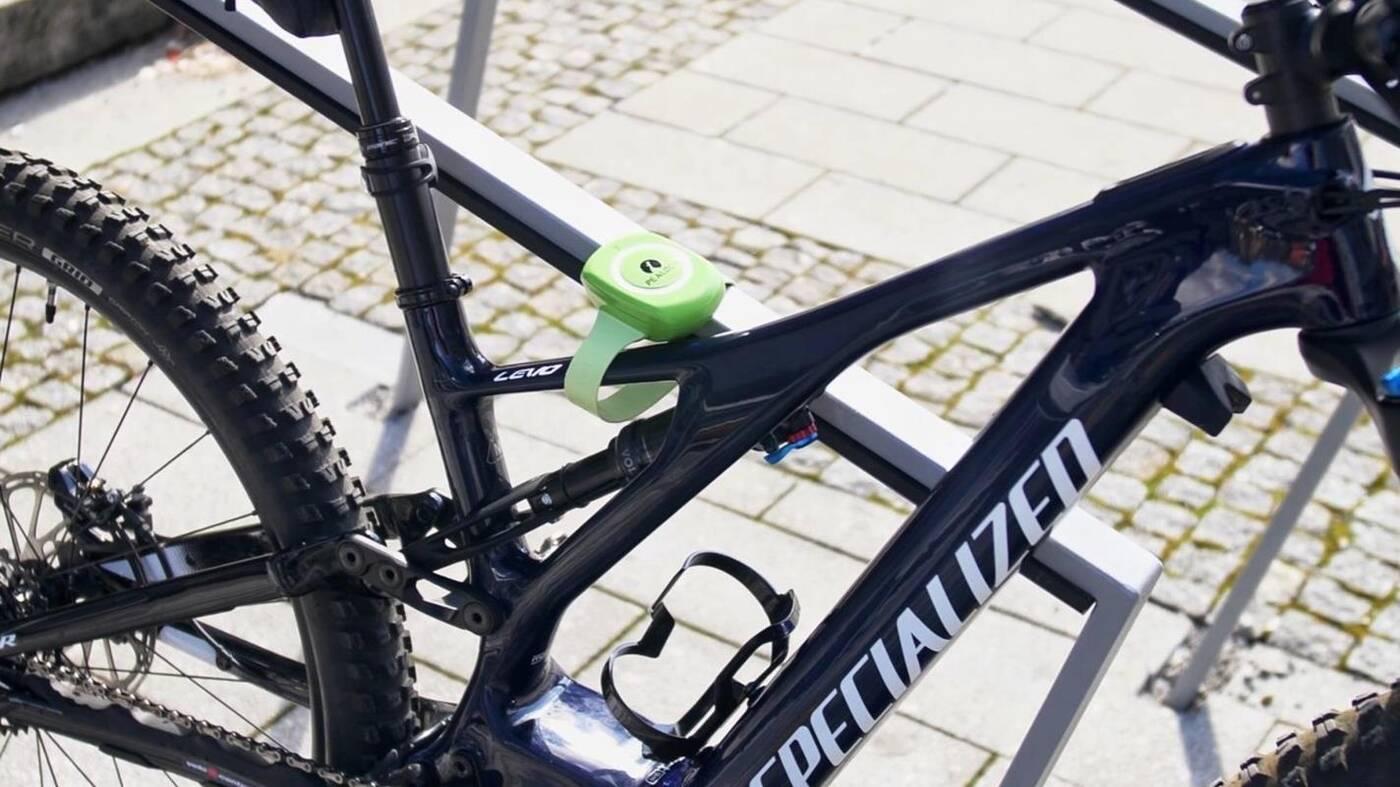 Lekkie zabezpieczenie rowerowe z alarmem Pealock