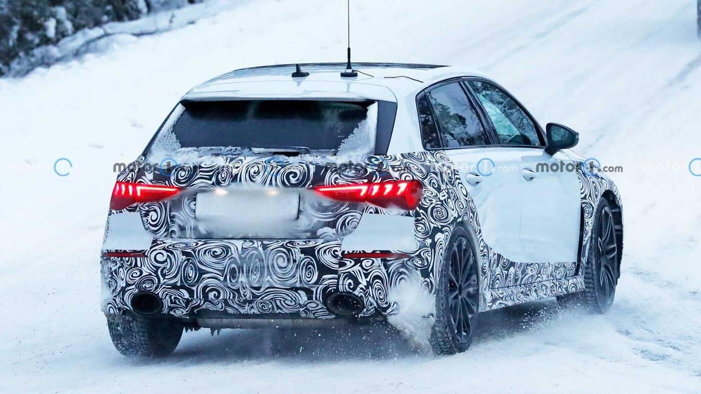 Nowe Audi RS3 Sportback wyszpiegowane w zimowych testach