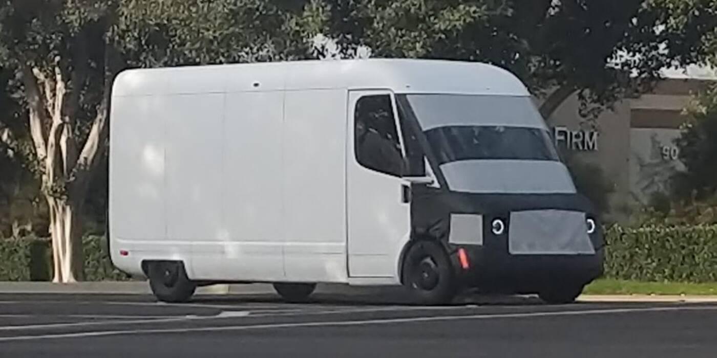 Obejrzyjcie elektryczny samochód dostawczy Amazonu od Rivian w formie prototypu