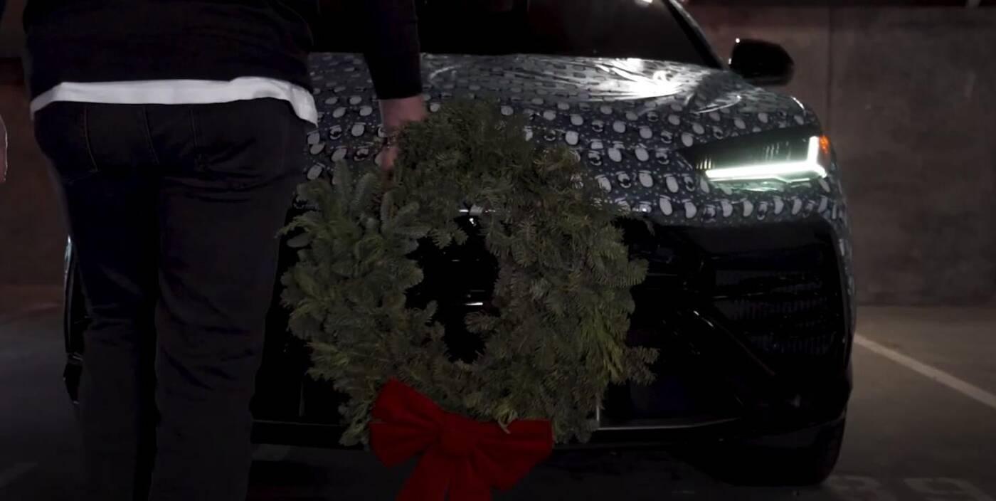 świąteczne Lamborghini Urus