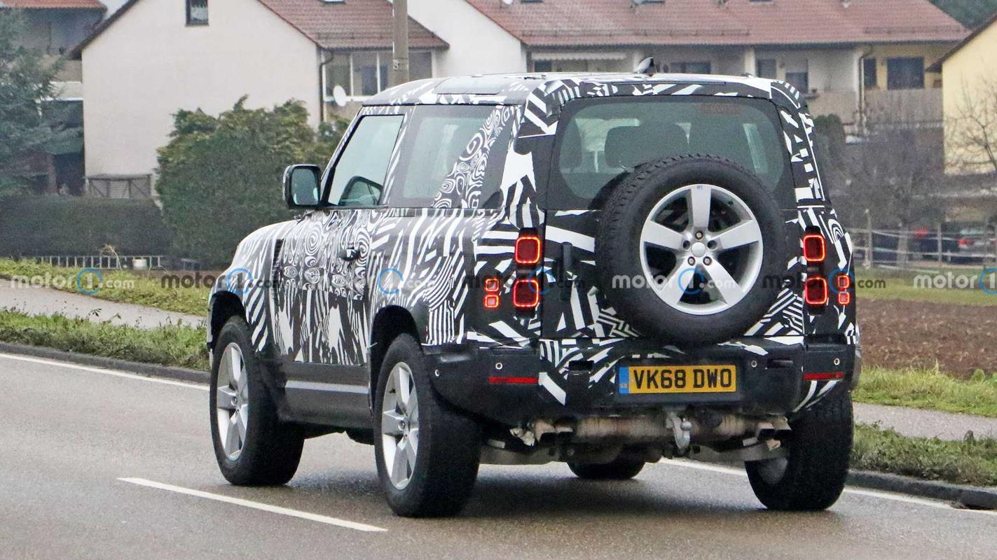 Silnik wyszpiegowanego Defendera 90, Land Rover Defender 90 V8, Defender 90 V8, silnik Defendera 90