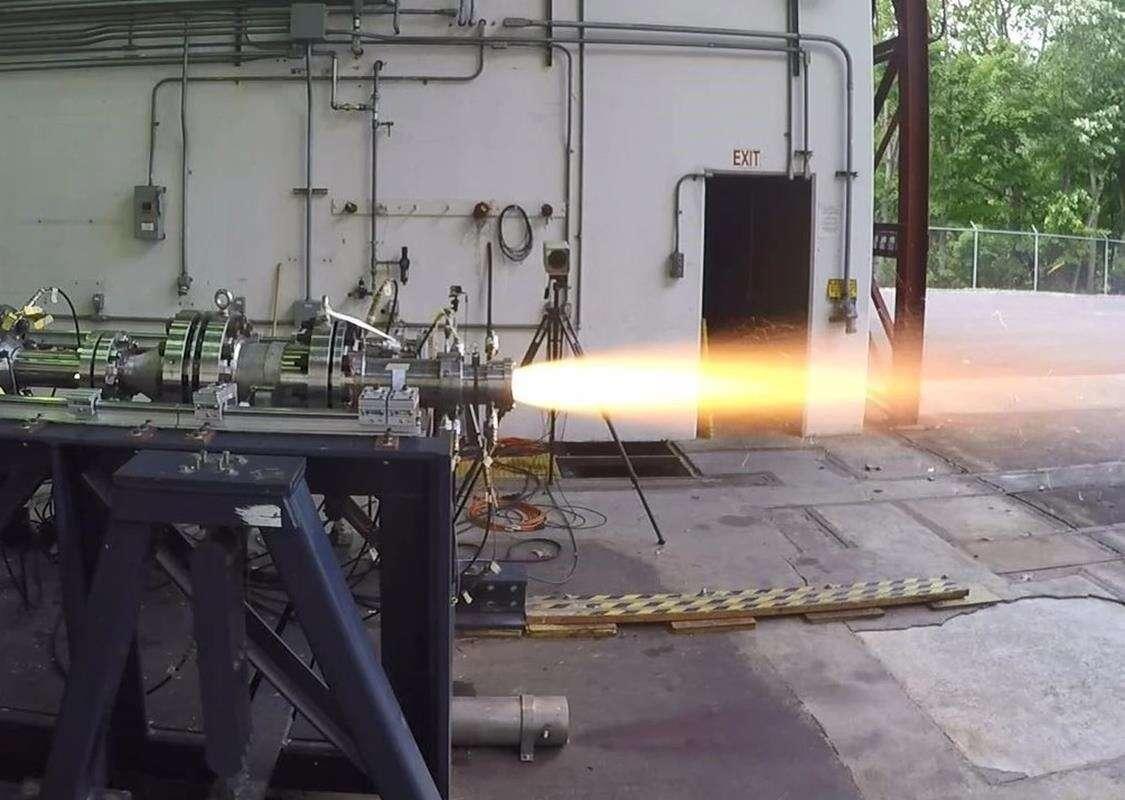 Zakończono testy silników artyleryjskich, silniki do pocisków, pociski z silnikami, testy pociskó artyleryjskich