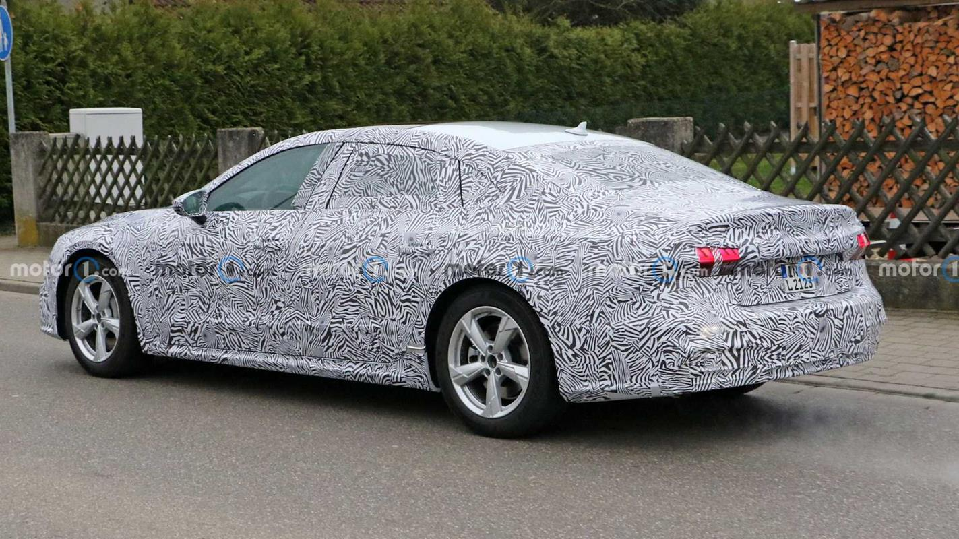Zdjęcia Audi A7L. Długi rozstaw osi tylko dla Chin