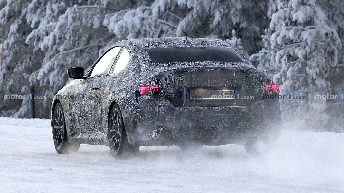Zdjęcia BMW serii 2 coupe nowej generacji podczas testów