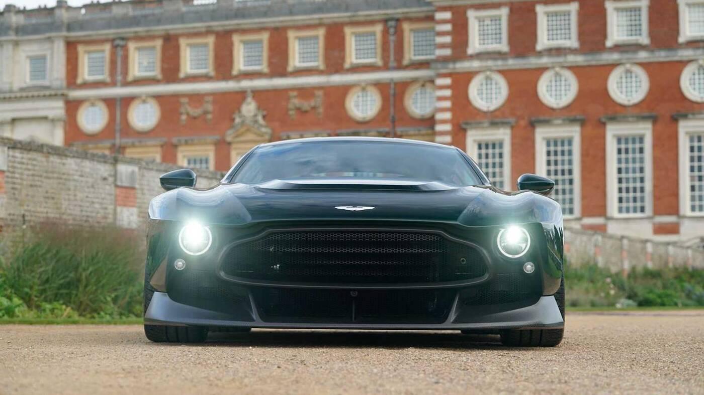 Aston Martin Victor, Aston Martin, Victor, Aston Martin Victor u dealera