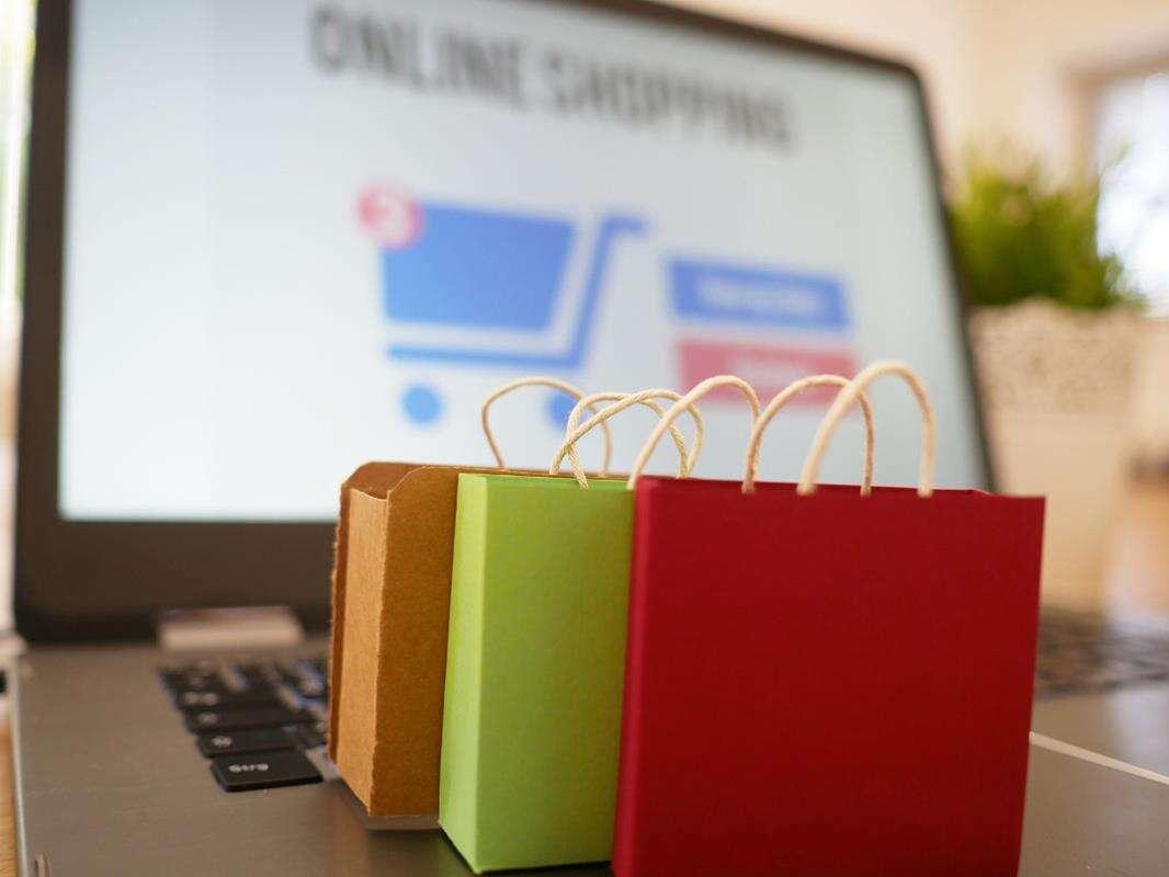 Jak pandemia wpłynęła na internetowe zakupy Polaków?