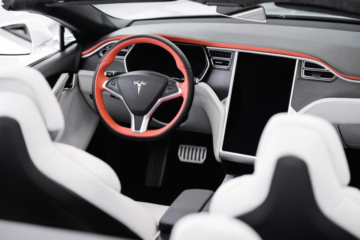 Dwudrzwiowy kabriolet z Modelu S Tesli