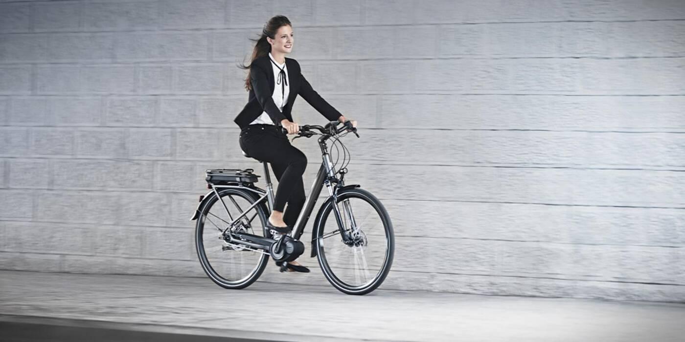eC01 Crossover nowym elektrycznym rowerem Peugeota