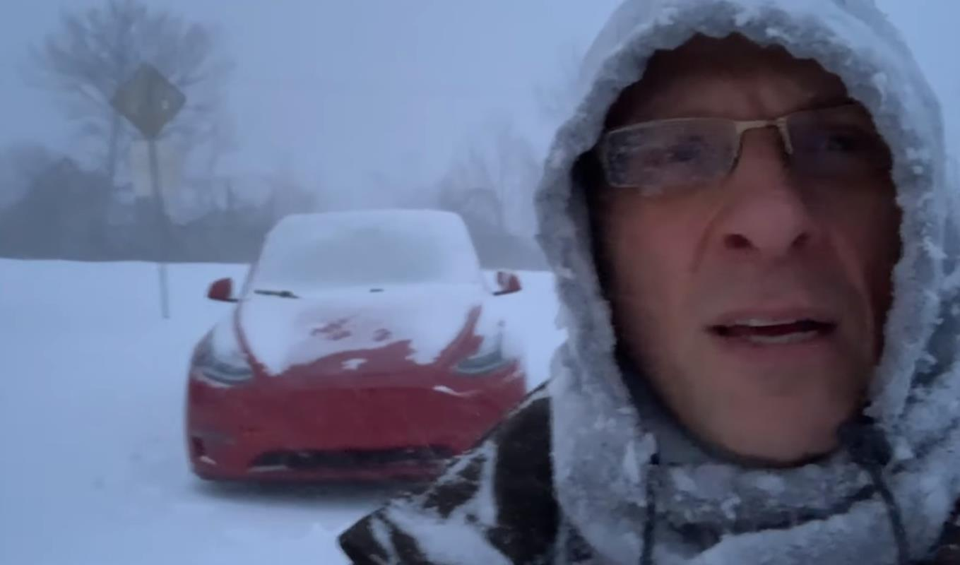 Tesla Model Y w śnieżycy. Jak poradził sobie elektryczny crossover?