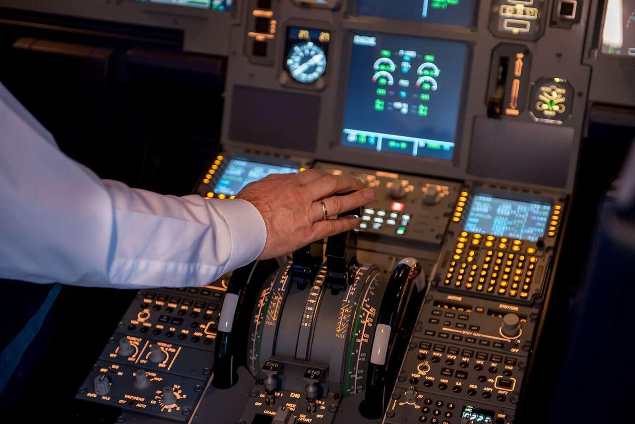 Sztuczna inteligencja zamiast pilotów