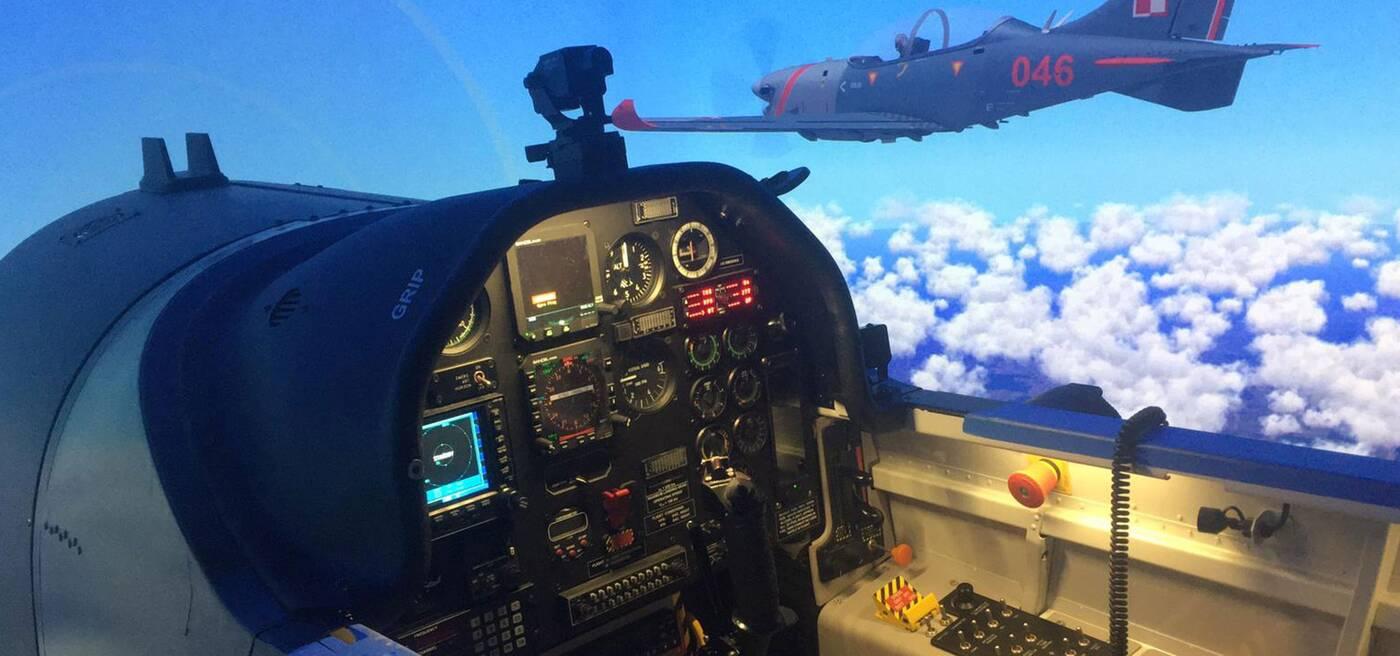 Nowy symulator samolotu szkoleniowego, symulator polskich Sił Powietrznych, nowy symulator dla polskich Sił Powietrznych