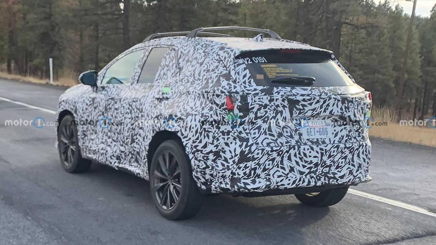 Pierwsze zdjęcia Lexusa NX nowej generacji