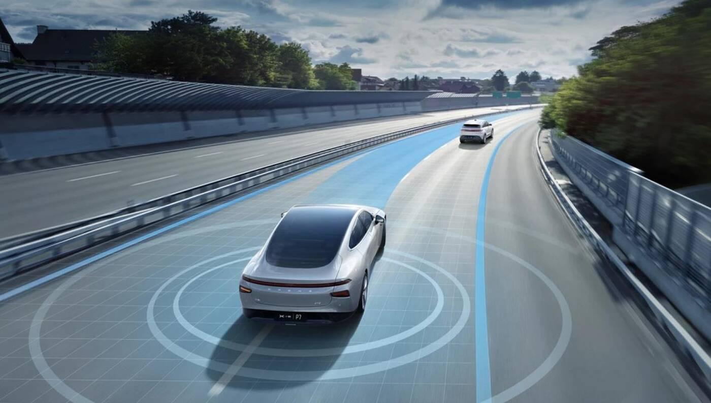 XPeng P7 zyskał znaczące ulepszenia autonomii, XPeng P7, ulepszenia XPeng P7, autonomia XPeng P7