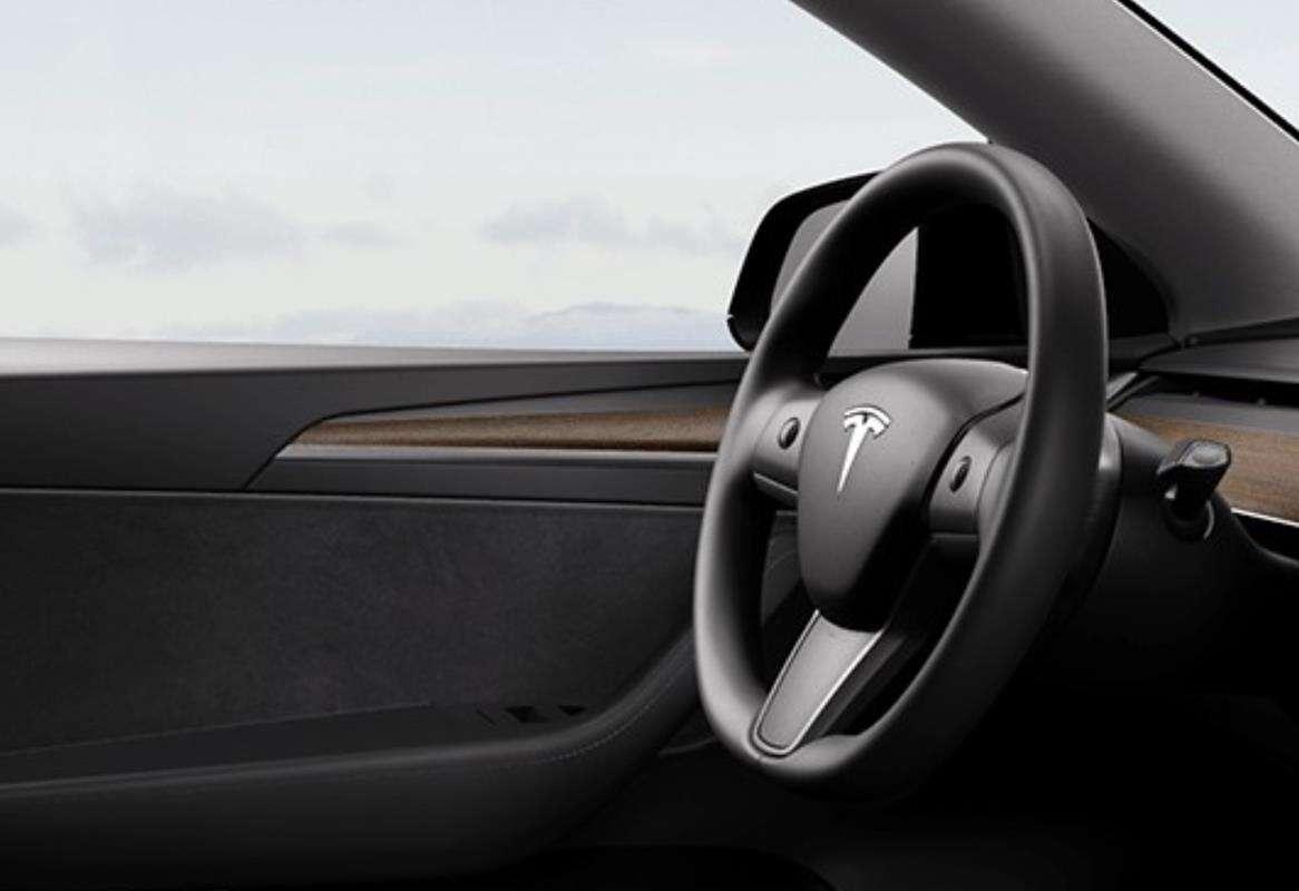 odświeżenie wnętrza Modelu Y, Model Y 2021, Tesla Model Y 2021