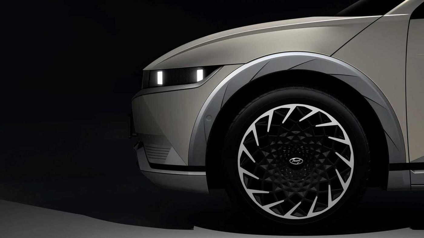 Szczegóły Hyundai Ioniq 5 wyciekły z prezentacji