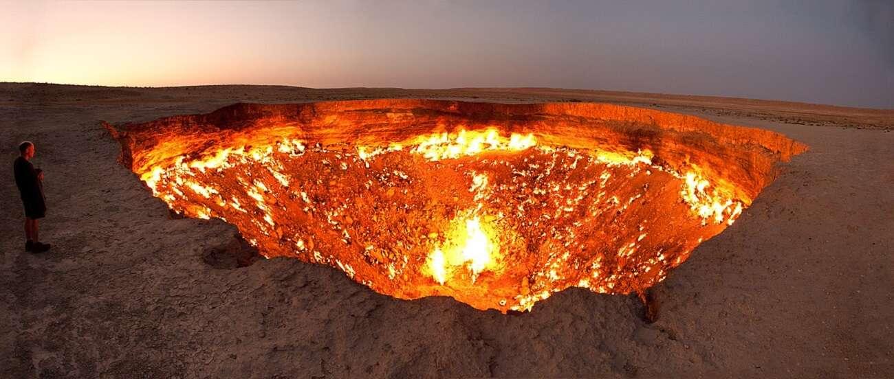 Wrota do piekieł na środku pustyni. Tamtejszy ogień płonie już od 50 lat