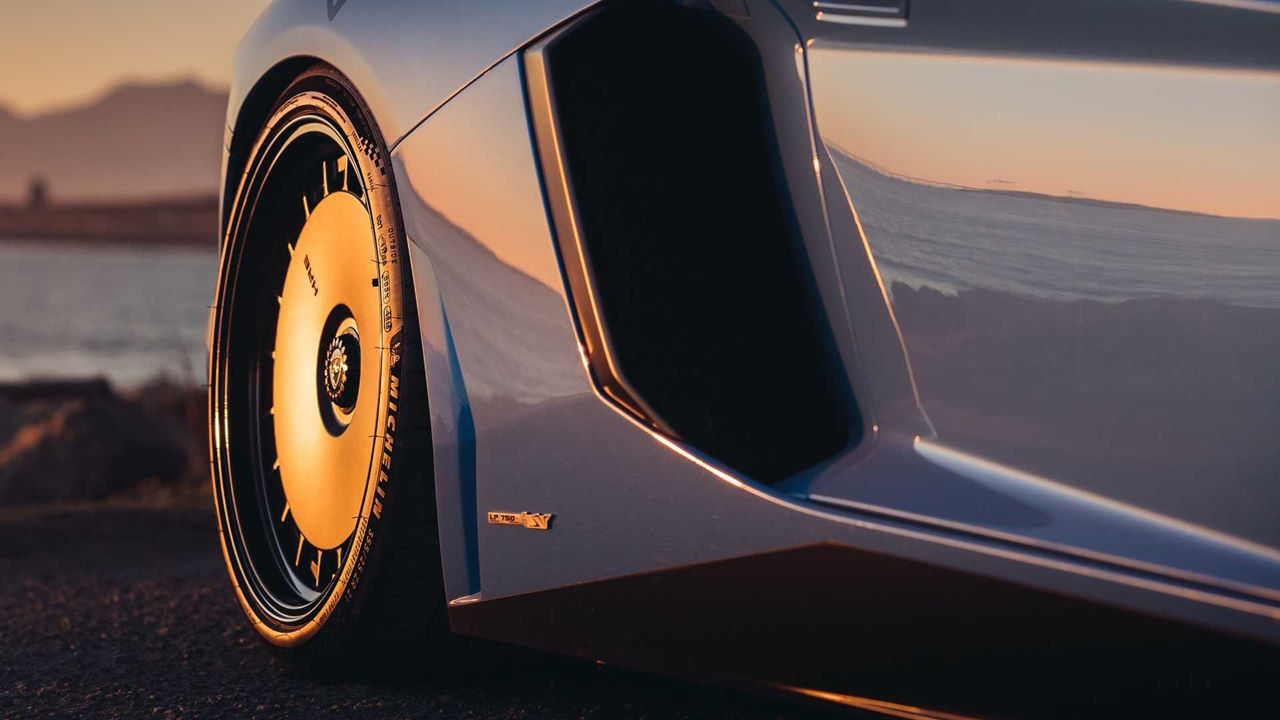 Co powiecie na takie felgi retro dla Lamborghini Aventador SV?