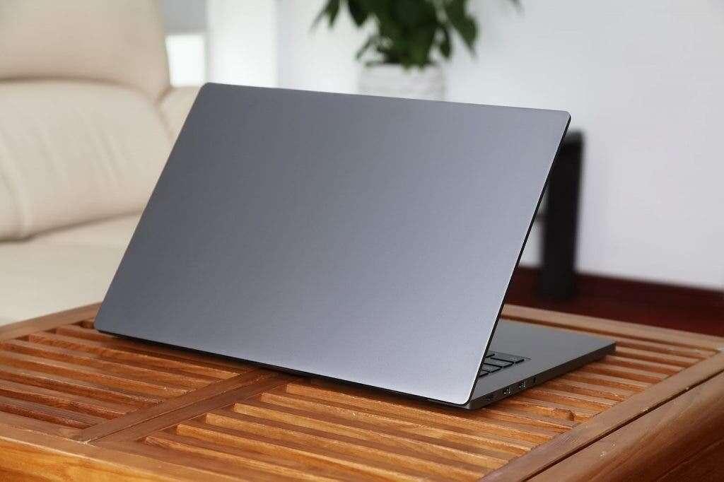 Ile laptopów sprzedano w Q4 2020 roku?