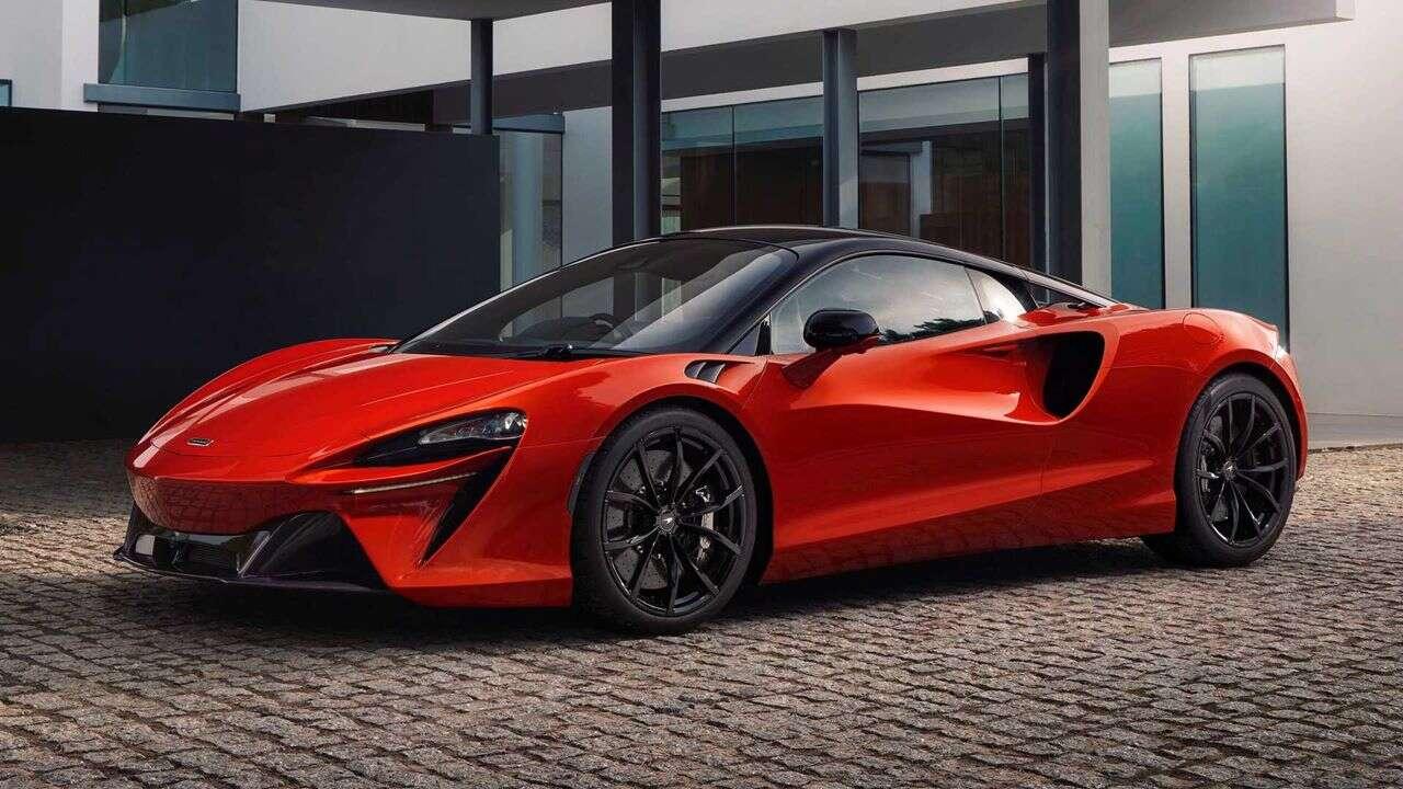 Jak przyspiesza McLaren Artura? Mamy oficjalne informacje