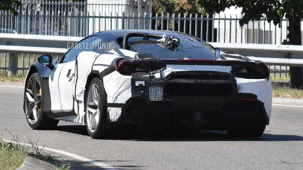 Nieoszlifowany diament? Obejrzyjcie zdjęcia hybrydowego Ferrari V6