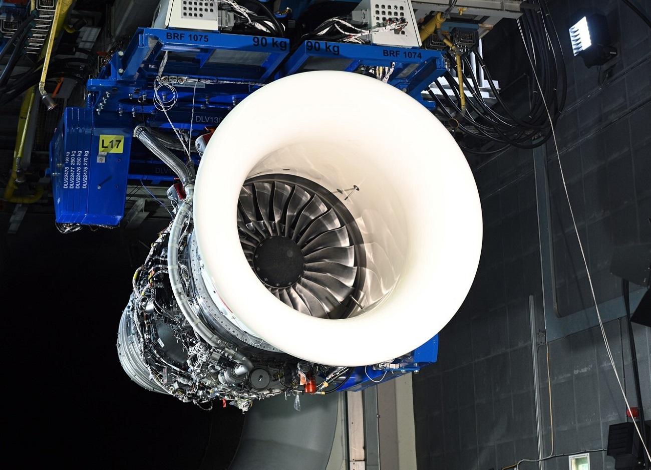 samolot silnik