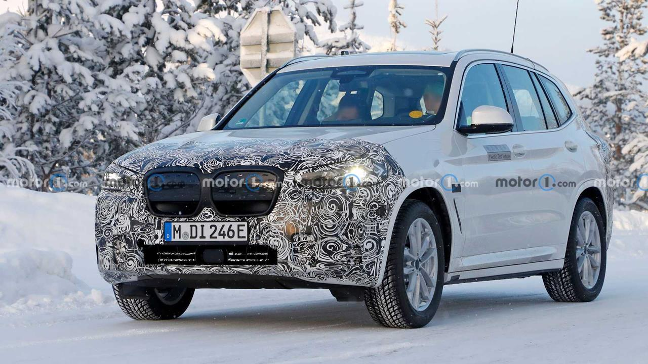 Spójrzcie na zdjęcia odświeżonego BMW iX3 2022. Tak. BMW iX3