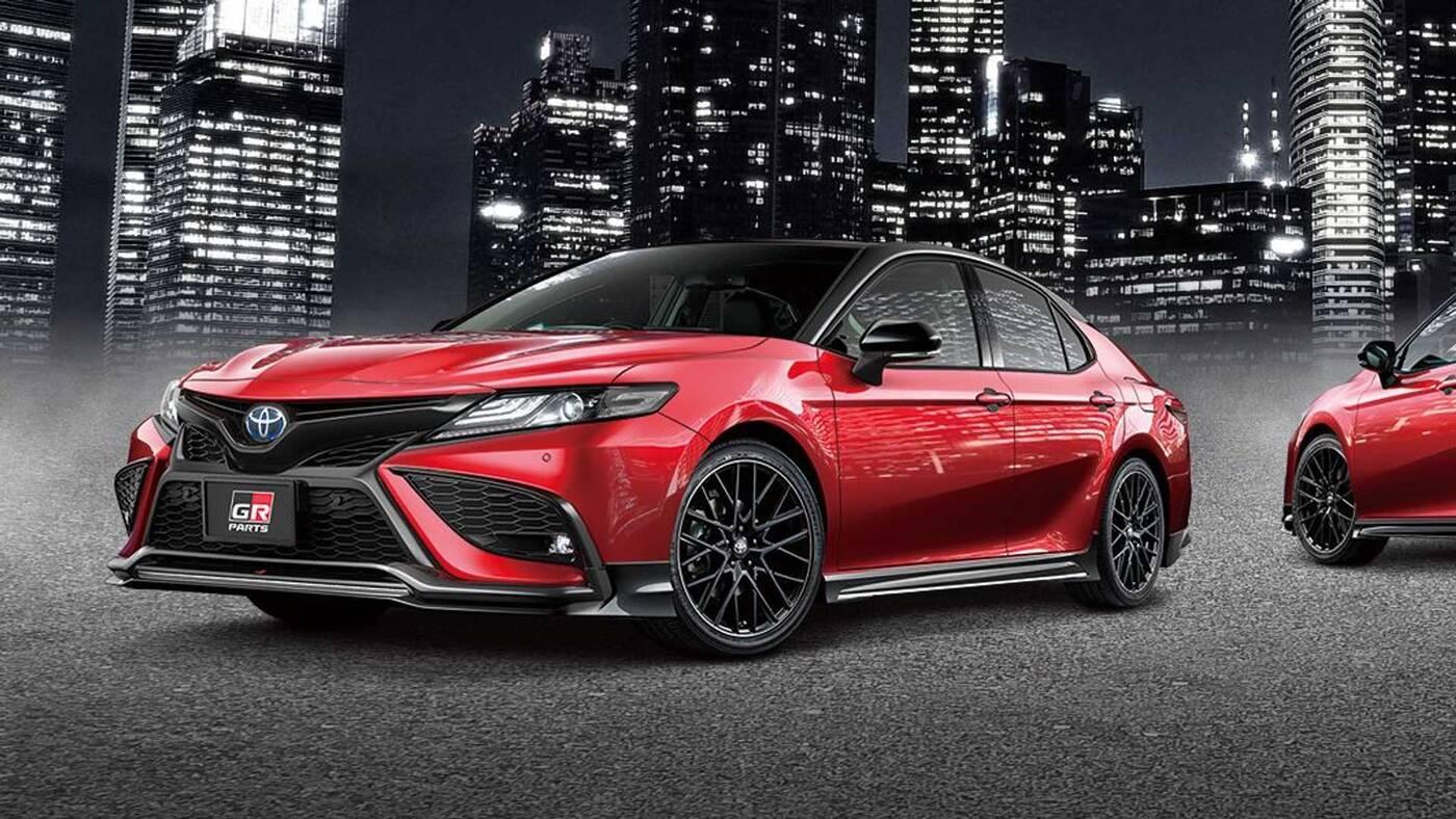Toyota Camry w Japonii zyskała nowe oblicze