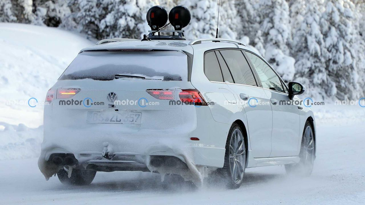 Volkswagen testuje kombi Golf R 2022