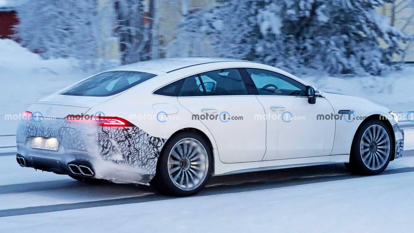 Zdjęcia Mercedes-AMG GT73e w zimowych testach