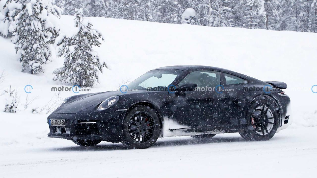 Zdjęcia Porsche 911 Safari w testach