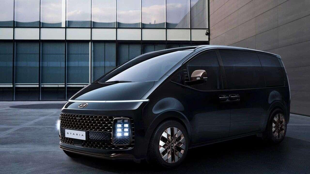 11 siedzeń i wygląd statku kosmicznego, czyli premiera Hyundai Staria Minivan