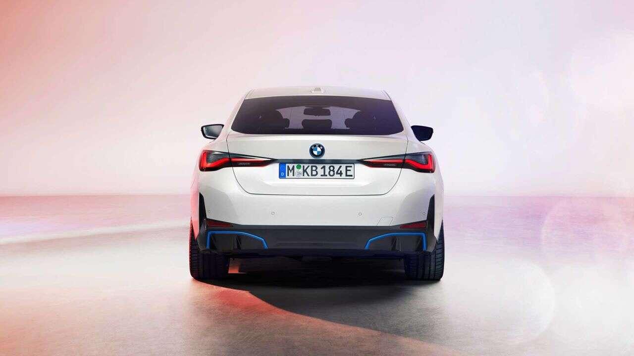 Premiera elektrycznego BMW i4 2022. Wielkie nery podkreślają wielką moc