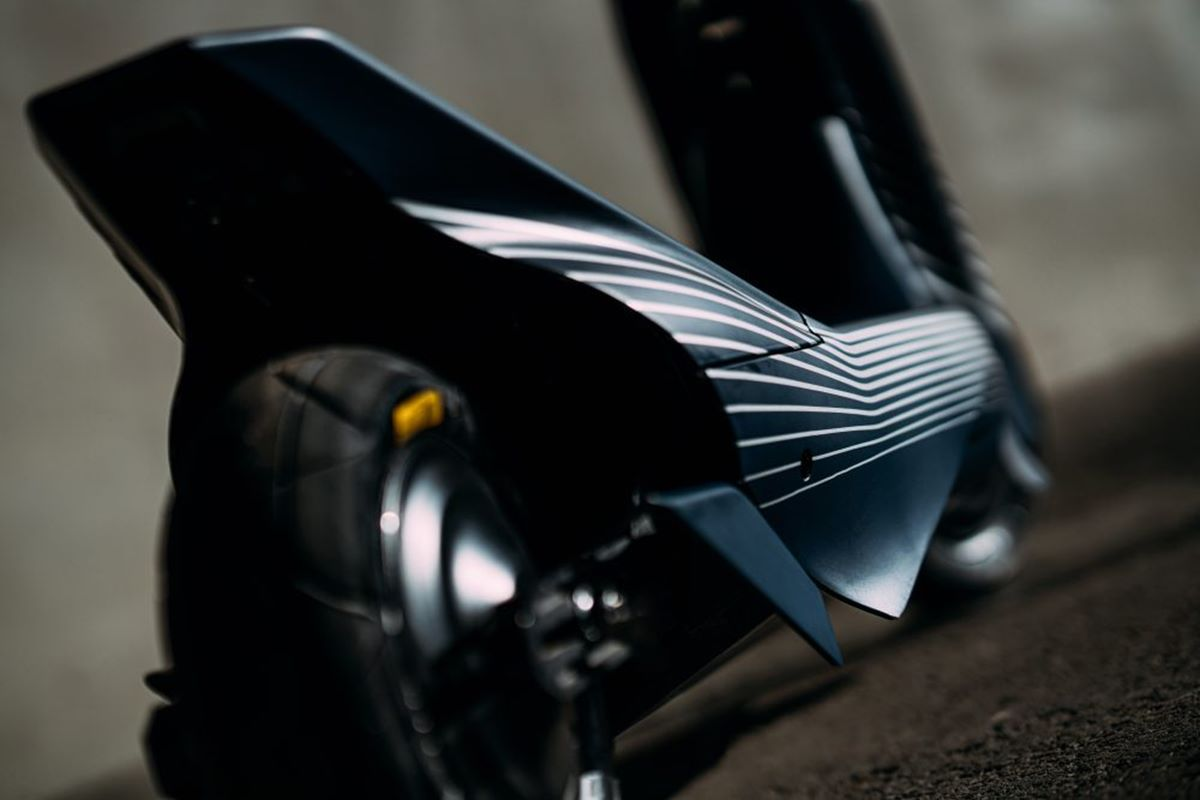 Elektryczna hulajnoga wyścigowa eSkootr S1X zaliczyła debiut