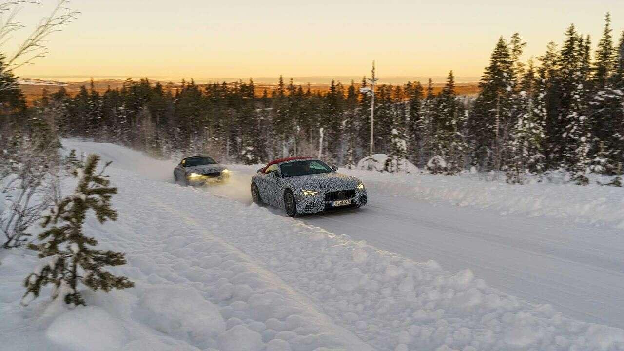 Zdjęcia Mercedesa SL nowej generacji. Model zalicza ostateczne zimowe testy