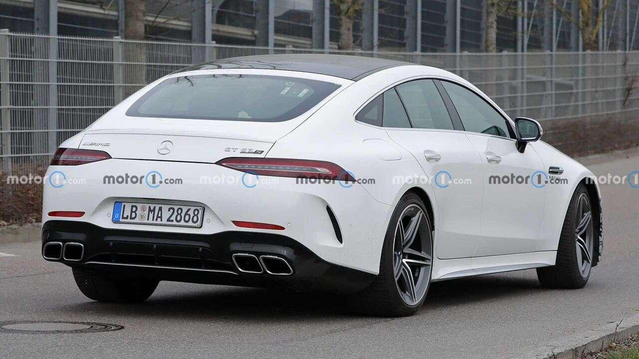 Nadchodzący 4-drzwiowy Mercedes-AMG GT Coupe wyszpiegowany