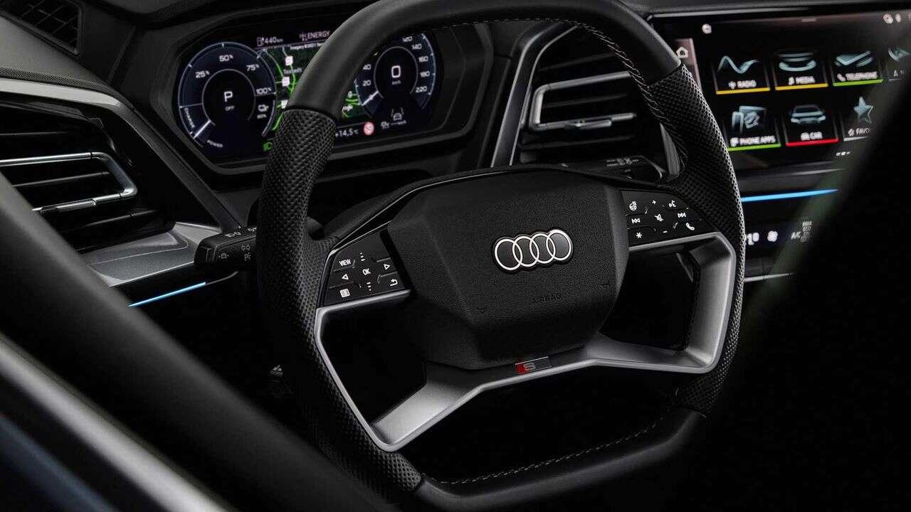 Zwiastun Audi Q4 E-Tron ujawnia kabinę pełną technologii