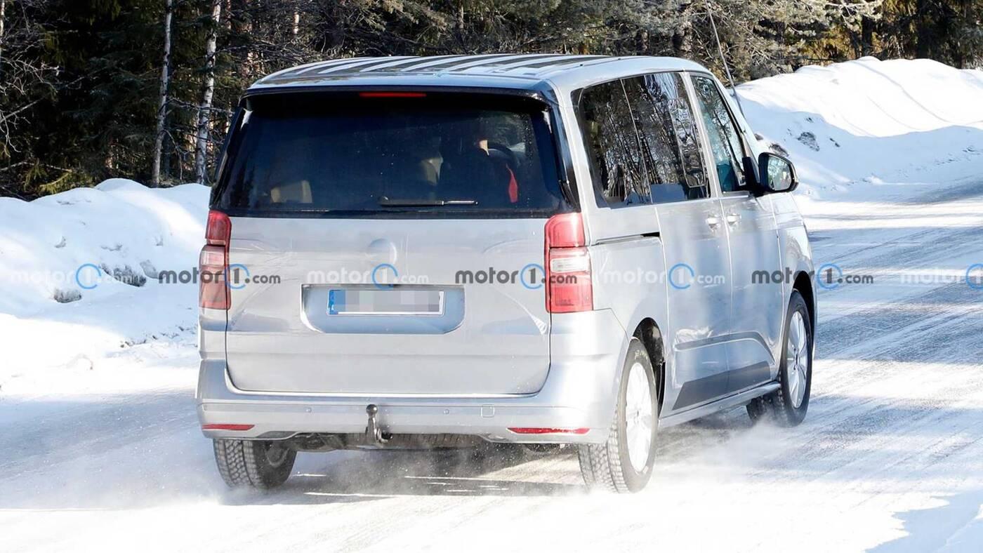 Jeździlibyście takim brzydalem? Zwiastun Volkswagen T7 Multivan chce Was do tego zachęcić