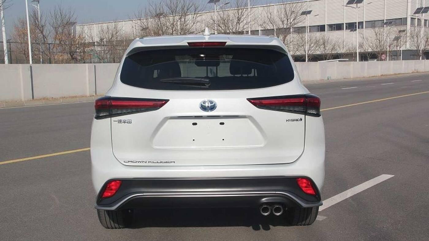 Premiera Toyota Crown SUV potwierdza, co dominuje na rynku