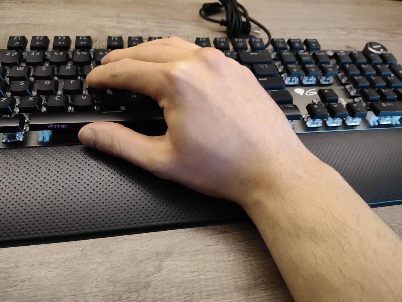 Test klawiatury Thor 401 RGB. Jak wypada nowość Genesis?