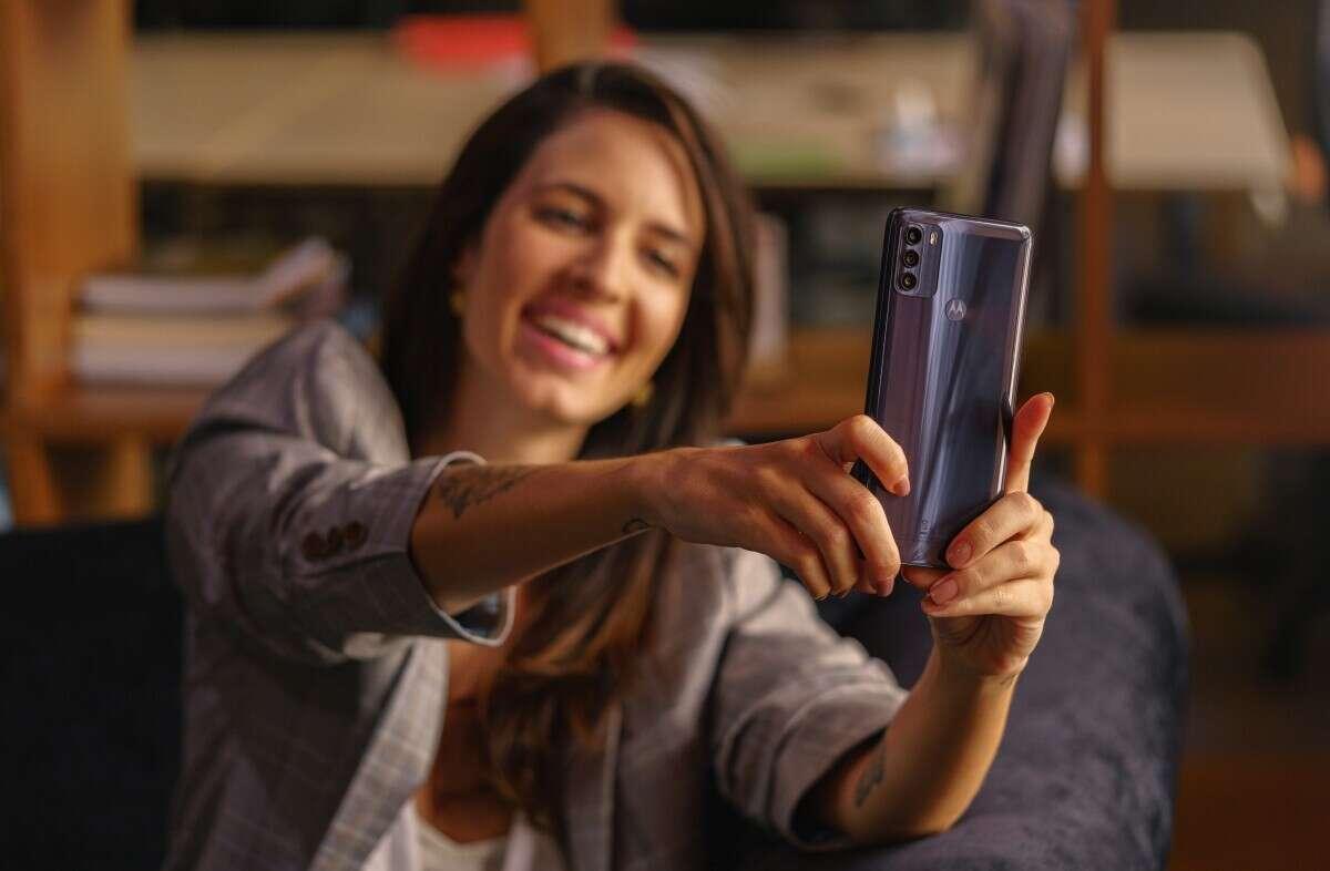 Motorola moto g50 już w sprzedaży. Na smartfon z 5G nie trzeba wydawać majątku
