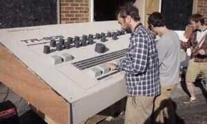 Automat perkusyjny Roland TR-909 dla gigantów