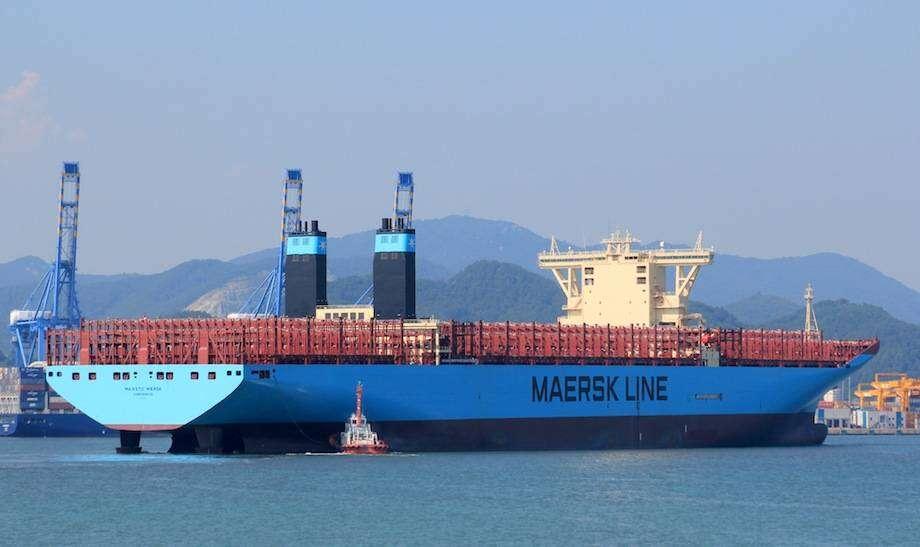 Oto statek przewożący ponad 17 tysięcy kontenerów
